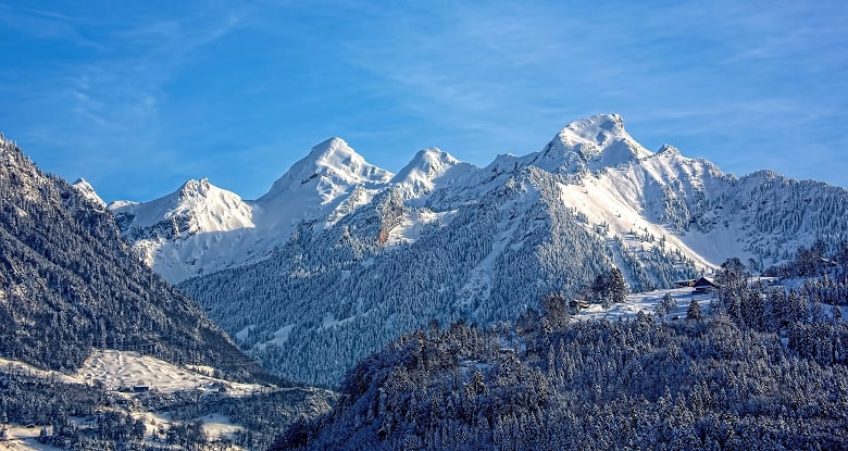 Wintersport-in-den-Alpen-1
